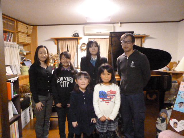 ピアノ弾き合い会(生徒集合写真)